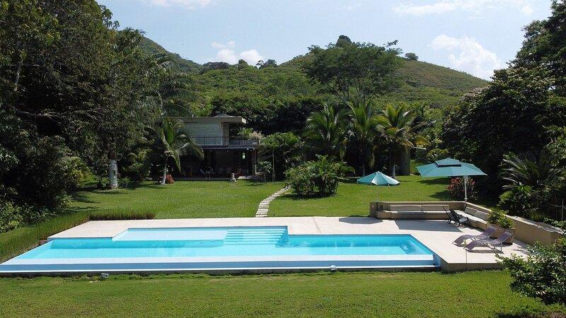 Anp031 - Charming 3 bedroom villa in Mesa de Yeguas, alquiler vacacional en Silvania