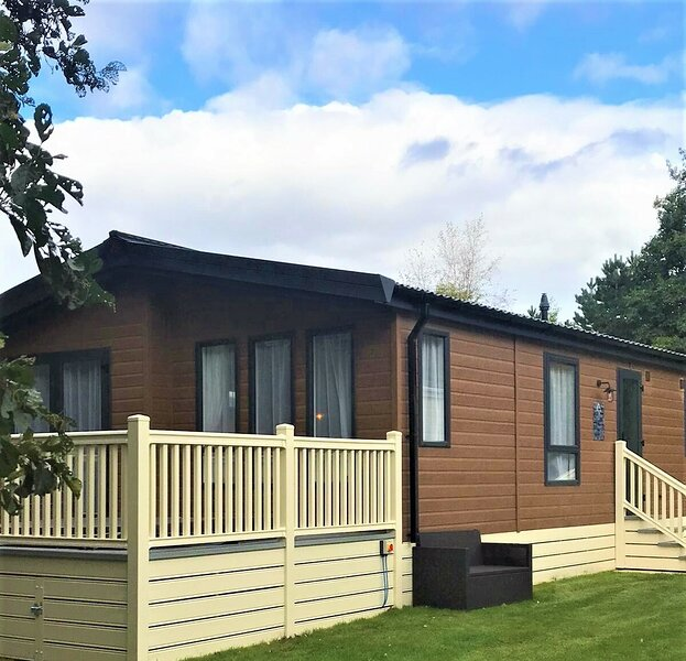 Foxglove Lodge with Hot Tub, holiday rental in Melbourne