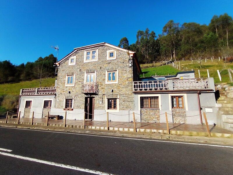 Casa de Aldea - Mirador del Navia, alquiler de vacaciones en Puerto de Vega