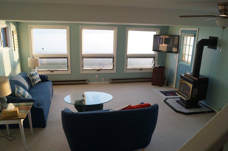 Lakefront 2 Bedroom, 1 1/2 Bath House between Rochester and Niagara Falls, casa vacanza a Hamlin