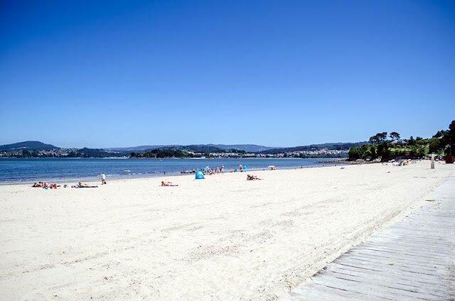Planta baja en casa de dos viviendas a 700 metros de la playa de Gandario, holiday rental in Coiros de Arriba