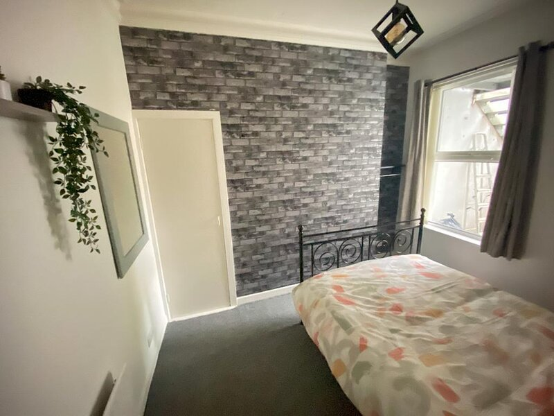 Newly renovated Victorian Apartment in Bangor, Ferienwohnung in Donaghadee