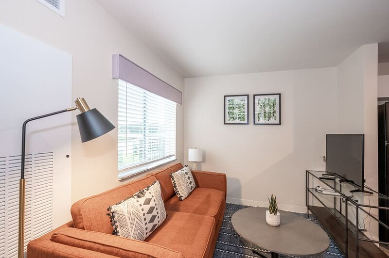 Viagem Attractive 1BR with Parking and Gym, casa vacanza a Pineville