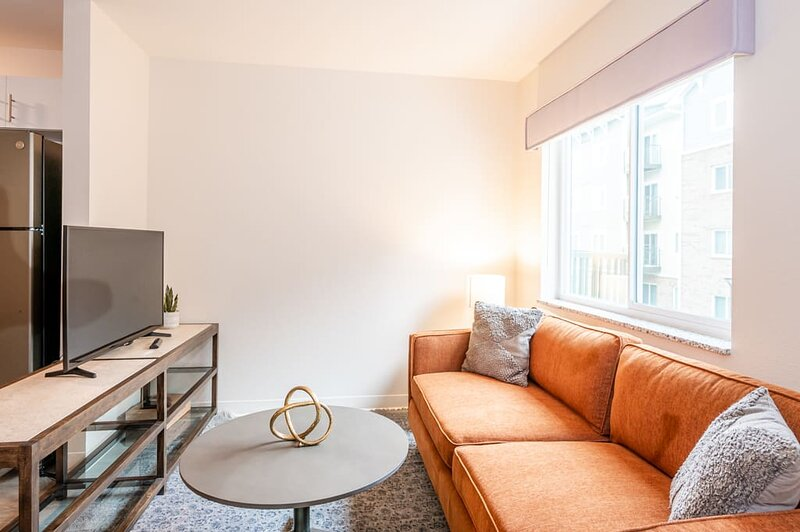 Viagem Stylish 1BR with Gym 10min to City, casa vacanza a Pineville