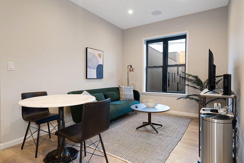 Viagem NY Attractive 2BR in Upper Manhattan, holiday rental in Fort Lee