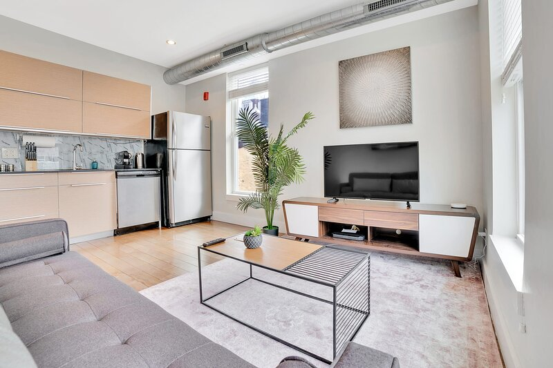 Beautiful & Bright 1BR In Old City, casa vacanza a Sicklerville