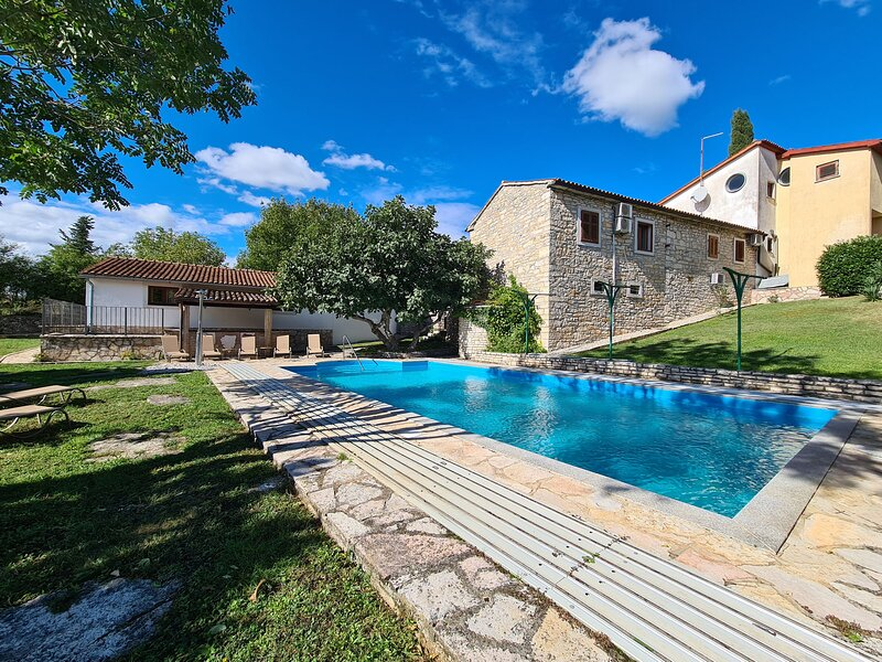 House 45311, vacation rental in Prkacini