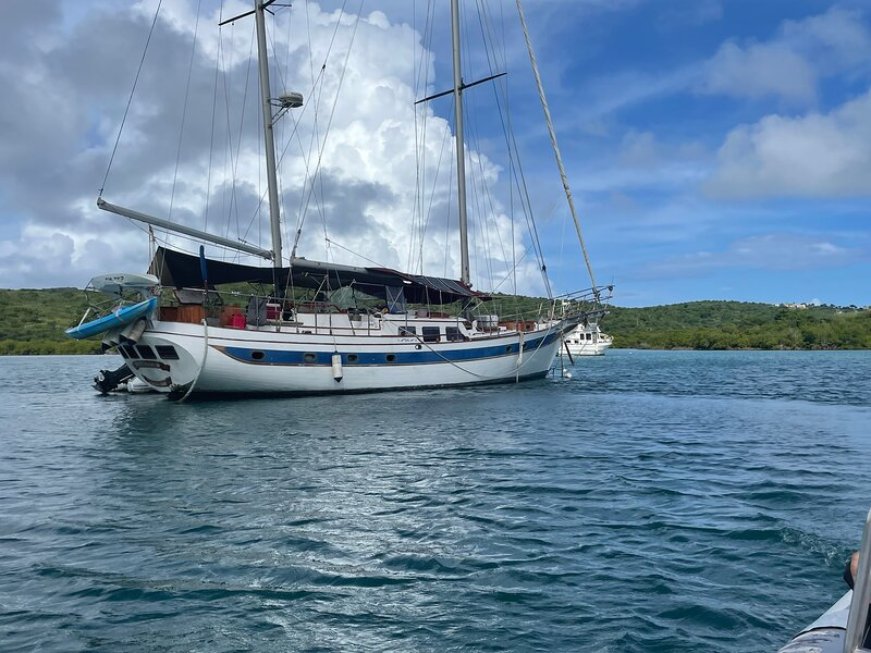 Sailboat Ragamuffin B&B on a yacht breakfast dinner beverage water toys included, casa vacanza a Frenchtown