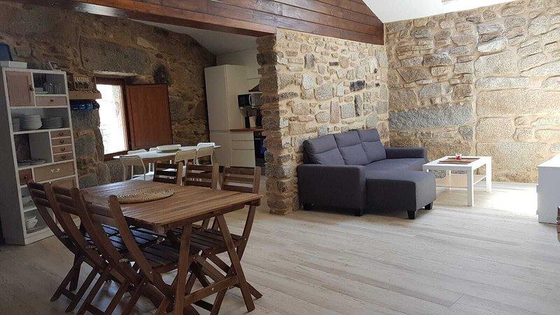 Beautiful house 300 meters from the beach, alquiler de vacaciones en El Grove
