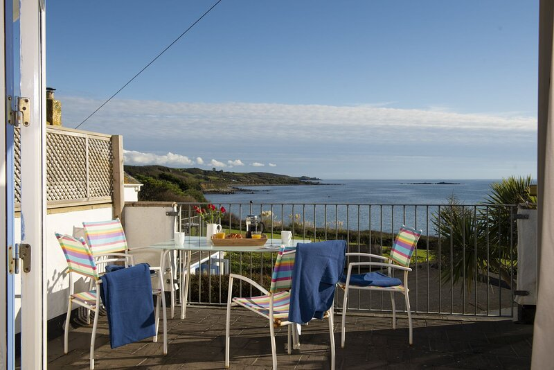 Little Trevara - A  two -bed coastal cottage in Marazion with modern convenience, casa vacanza a Goldsithney