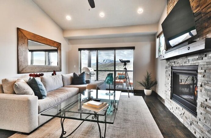 Free Ski Rental! Stunning Townhome with Beautiful Views, holiday rental in Oakley