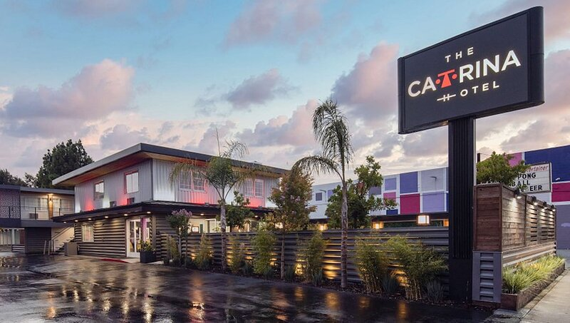 The Catrina by Kasa | Urban San Mateo + Hillsdale Shopping | Back Building King, holiday rental in Burlingame