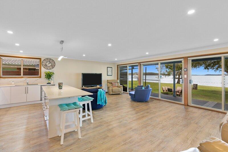 Kalimna Lakeside, holiday rental in Bonnells Bay