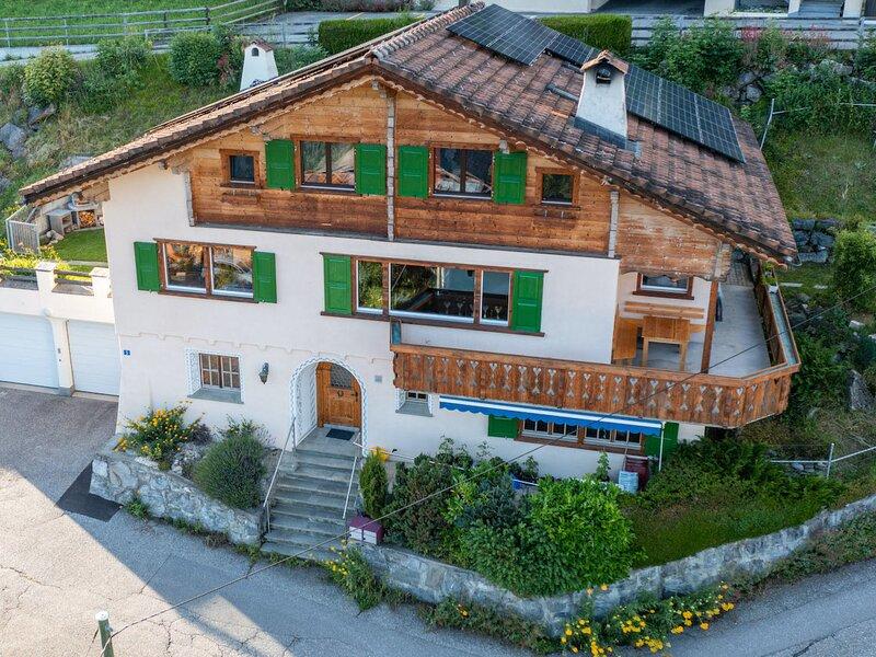 Ferienhaus Maliet, vacation rental in Gruesch