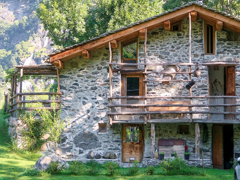Stua di Sfruz (VBL301), casa vacanza a Madesimo