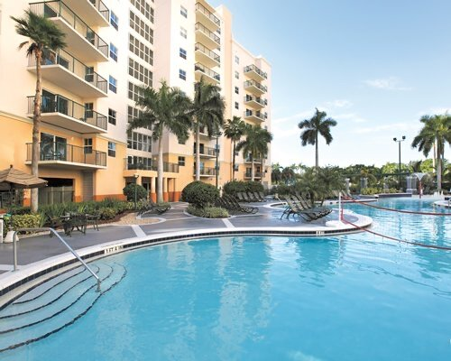 Wyndham Palm Aire Resort in Pompano Beach, 1 or 2 bedroom in Feb. and March, holiday rental in North Lauderdale