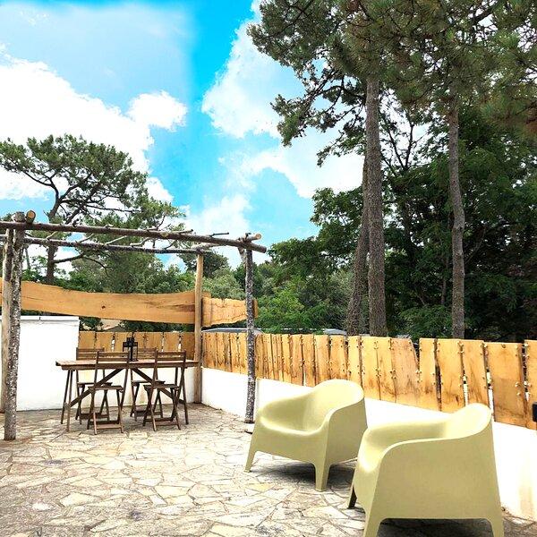 Appartement 5 personnes 'Sous les pins' 600m de la mer, holiday rental in Le Bernard
