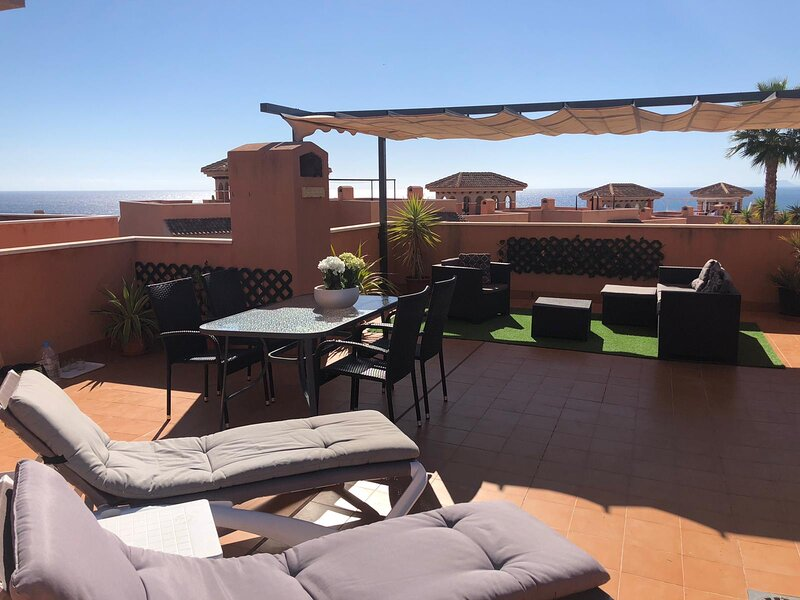 Nice apartment for 6 persons with beautiful sea view, holiday rental in Isla Plana
