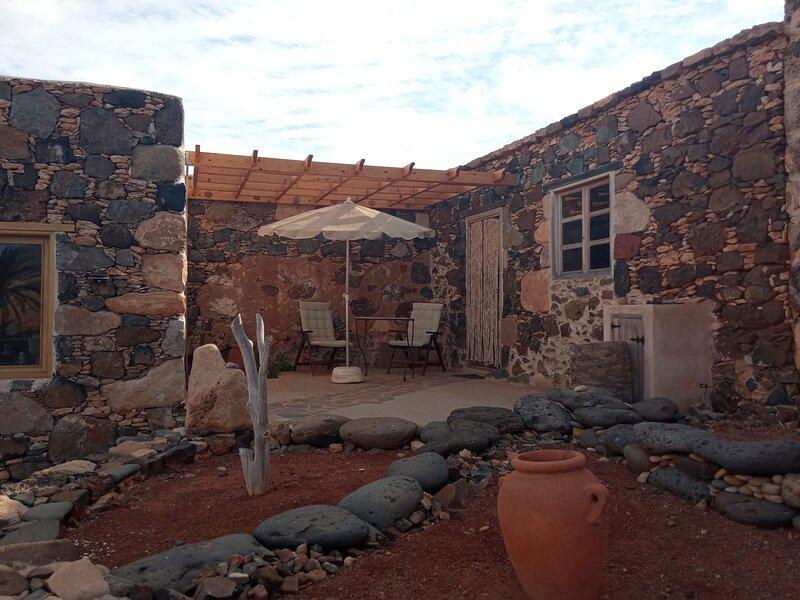 Garabato Chico (Finca Agricultura Ecológica), location de vacances à La Ampuyenta