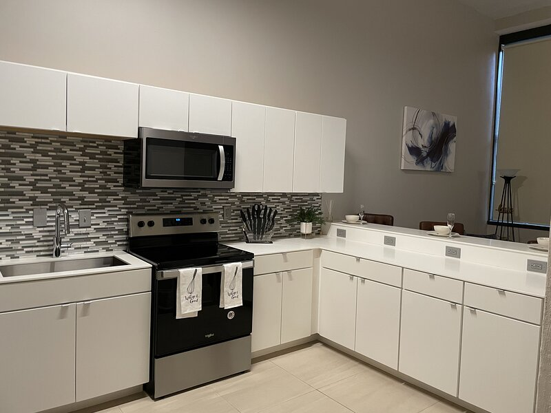 Clean spacious loft style apartment., alquiler vacacional en Cleveland Heights