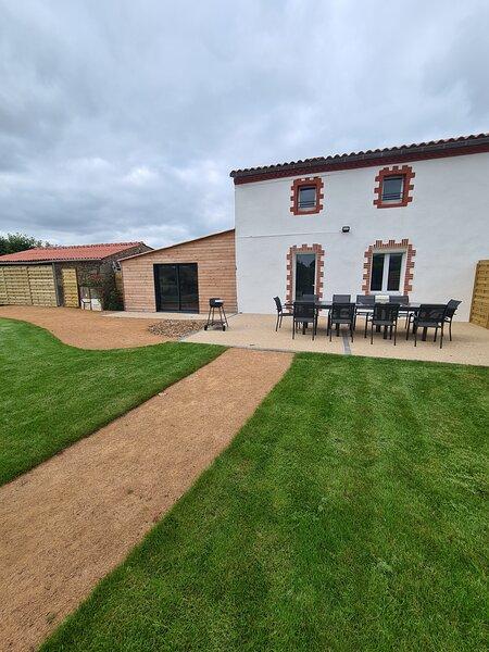 Logis de Gustin 10 pers, à 5 min du Puy du fou, holiday rental in La Verrie