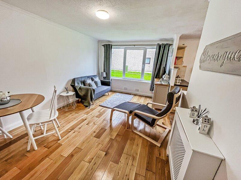 Hilton Apartment 1-Bed in Inverness With Parking, location de vacances à Castletown