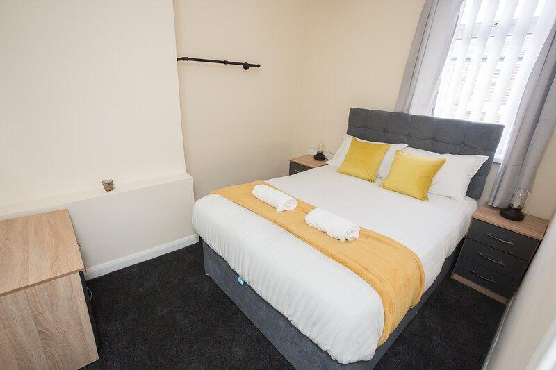 Spacious house nr city/hospital/uni with WIFI, aluguéis de temporada em Sunderland