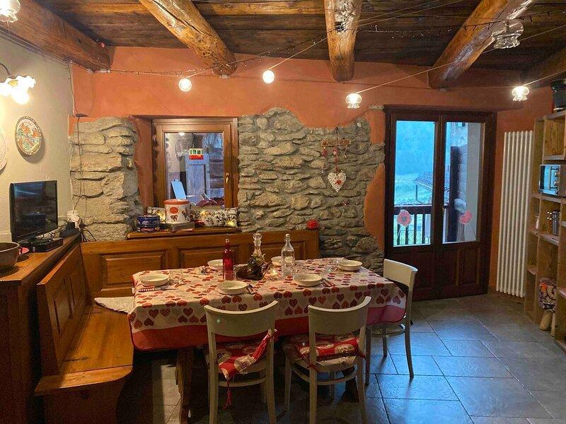 TravelNest Property, vacation rental in Roure
