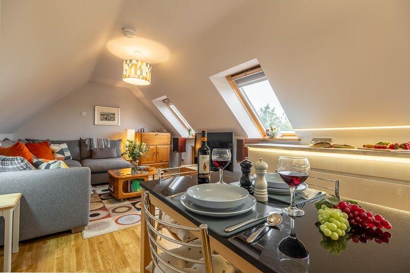 Cartshed Lodge, vacation rental in Wroxham