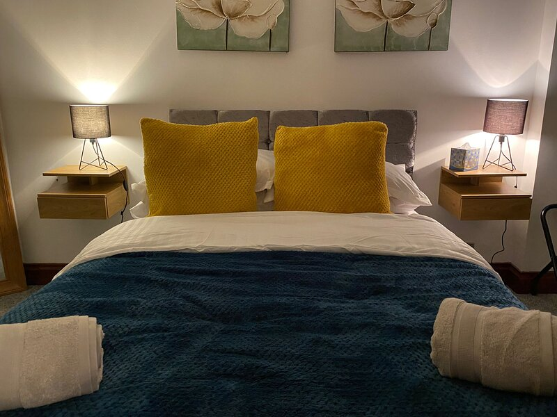 Charming 2-Bed Apartment in Bridgend, location de vacances à Wick