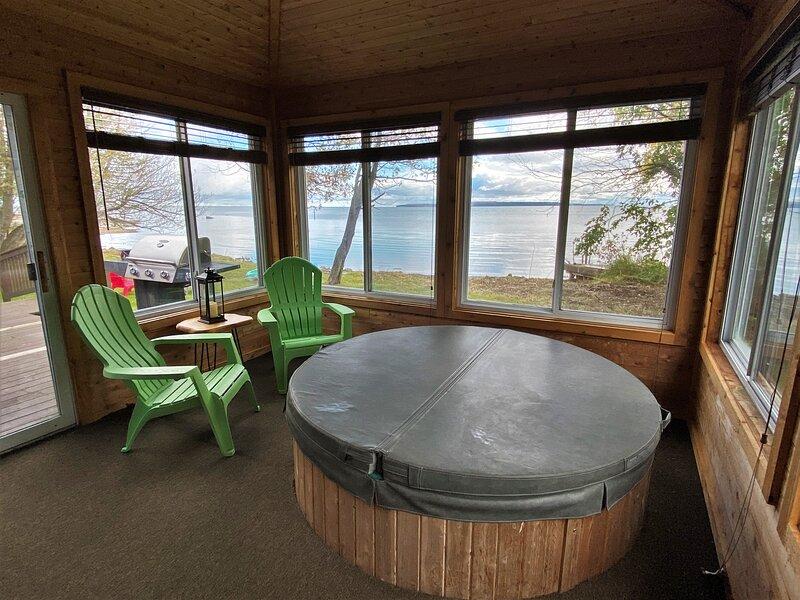 Lakeside Lodge, vacation rental in Hessel