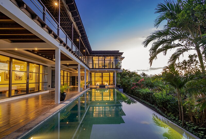 11 Bdr-Last Minute Deal 50%+ OFF!!! Jimbaran, vacation rental in Kuta Selatan
