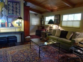 The Knot Hole Dog Friendly Vacation Home