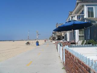 2 Bedroom Oceanfront Single Family Home! Excellent Views & Patio! (68169), Newport Beach