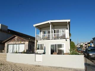 Oceanfront Single Family Home! Spacious Patio! (68133), Newport Beach