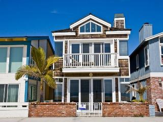 Well Appointed Beautiful Oceanfront Single Family Home!  (68139), Newport Beach