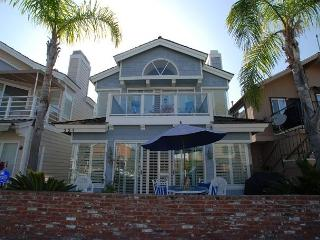 Beautiful Bayside Single Family Home! Rooftop Deck! (68233), Balboa Island