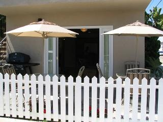 Come and Enjoy the Beach in this 2 Bedroom Condo 1 Block From Sand! (68119), Newport Beach
