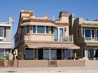 Luxury Oceanfront Single Family Home! Rooftop Deck! Incredible Views! (68168)