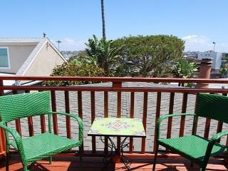 Lovely Bay View Home Across from Marina Park! (68164)