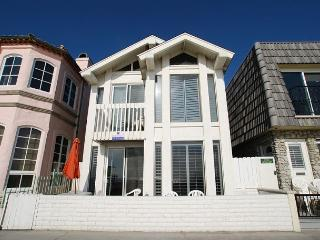 Great Oceanfront  Upper Duplex! (68190)