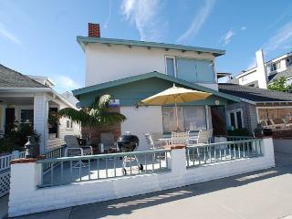 Updated 2 Story Bayside Single Family Home! Bay Views! (68183), Balboa Island