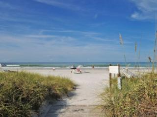 Buttonwood 427, Siesta Key