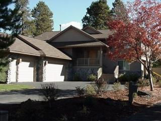 Lift Ticket Deals with Pool Table and 3 Master Suites On the Golf Course, Sunriver
