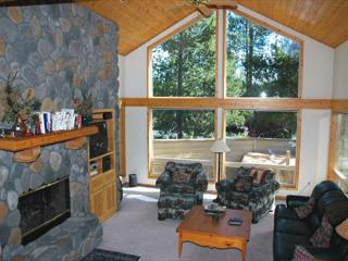 Mt Bachelor Specials Sunriver Home with Bikes and 2-Car Garage Near SHARC