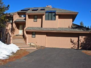 Mt Bachelor Specials Sunriver Home with Wifi and Hot Tub Near North Store