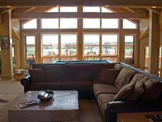 Mt Bachelor Specials with Pool Table and Inviting Views Near the Observatory, Sunriver