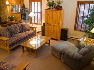 Popular Sunriver Home in Wooded Surrounding and Hot Tub Near SHARC