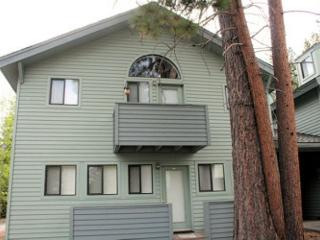Affordable Sunriver Condo with Cable and Wifi in the Business Park