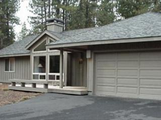 Mt Bachelor Specials Sunriver Home with Hot Tub and Wifi Near Fort Rock Park